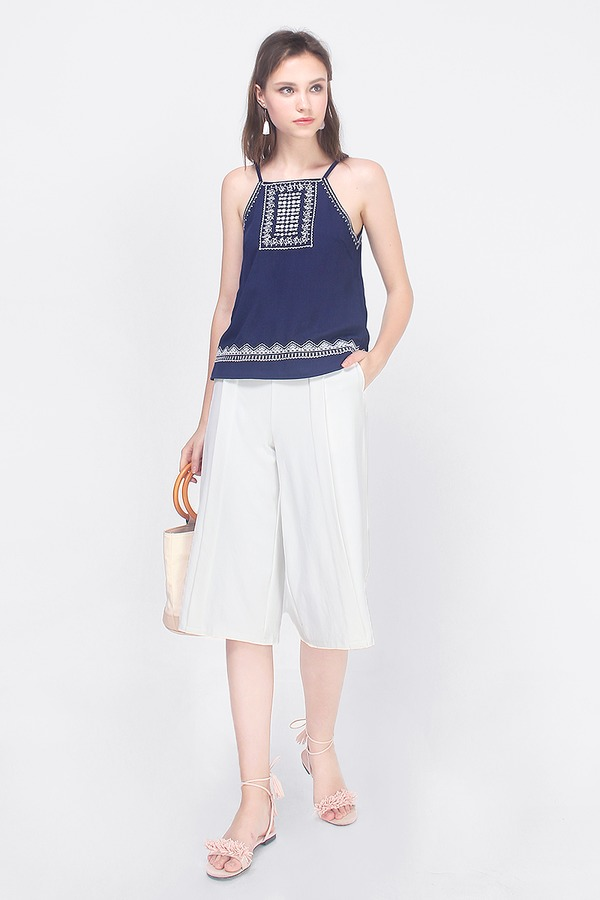 Kallie Embroidered Top